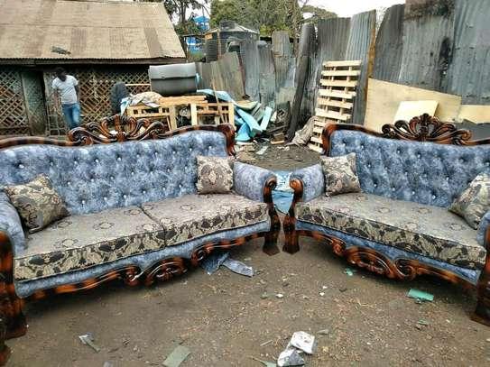 Antic sofa image 1