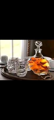 Classy whiskey decanter set image 2