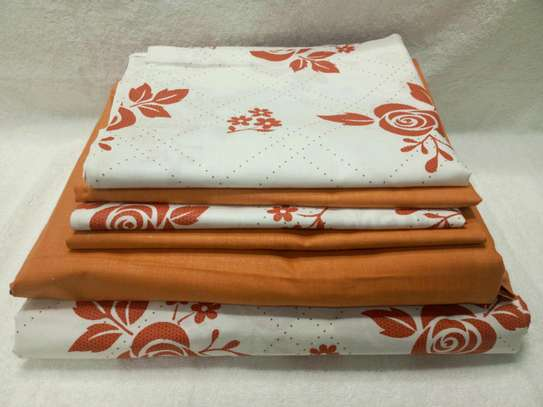7  by 8 Boll & Branch Genuine Bedsheets with 1 Flat Sheet, 1 Fitted Sheet, and 4 Pillowcases image 7
