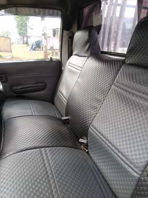 TOYOTA HILUX PICK UP RN85 image 3