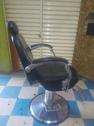 Barbershop chairs image 1