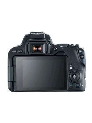 Canon EOS 200D DSLR Camera 18-55mm Lens image 2