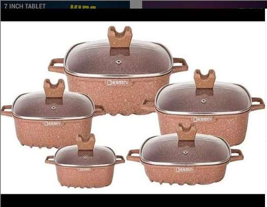 Dessini cast iron granite cooking set image 1