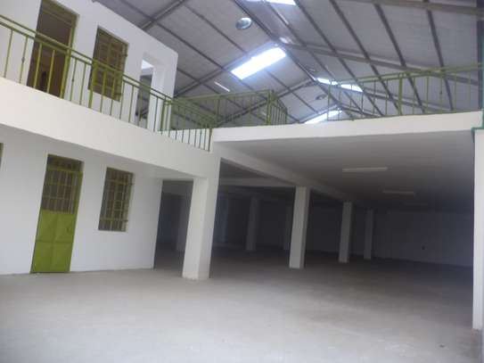 10000 ft² warehouse for rent in Juja image 2