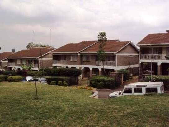 4 bedroom house for rent in Upper Hill image 4