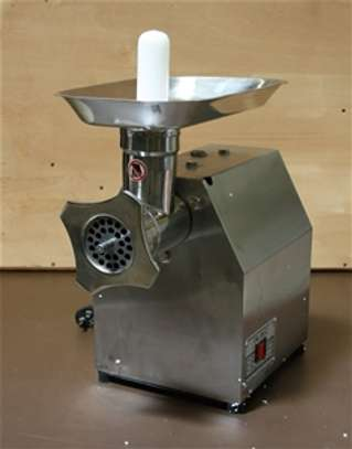 Meat Mincer, model TK-M12, with 750W image 1