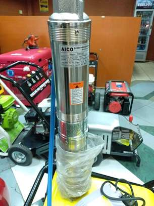 Submersible borehole water pump