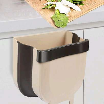 Expandable and collapsible dustbin over the shelf image 3