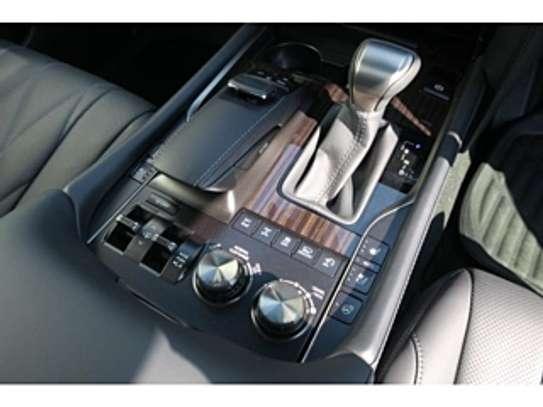 Lexus Lx570 2018 Pearl image 7