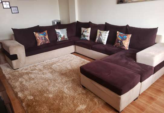 U shaped 8seater sofa image 2