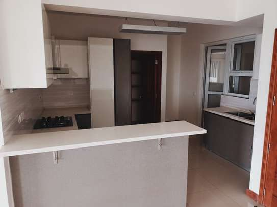4 bedroom apartment for rent in Parklands image 15