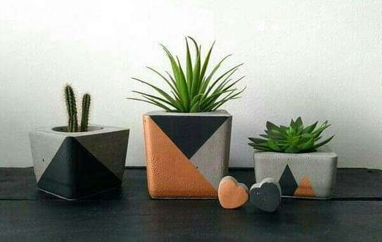 Concrete pot planters