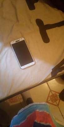 Samsung galaxy J7 image 4
