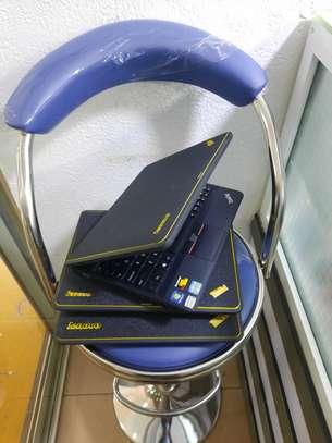 Lenovo ThinkPad X130e - Windows 10 64-bit - 4 GB RAM - 320 GB HDD image 3