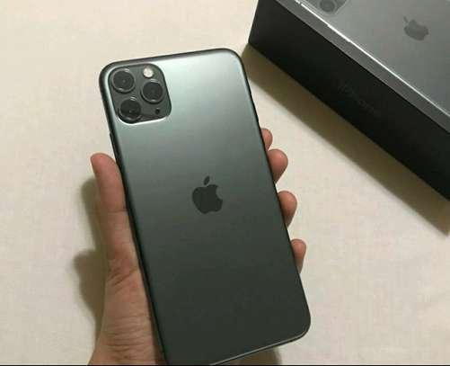 Apple Iphone 11 Pro Max [ 512 Gigabytes ] Green image 2