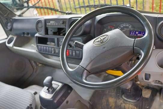 Toyota Dyna image 3