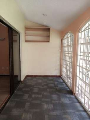 4 bedroom townhouse for rent in Kilimani image 13