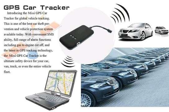 Cartracking use phone image 2