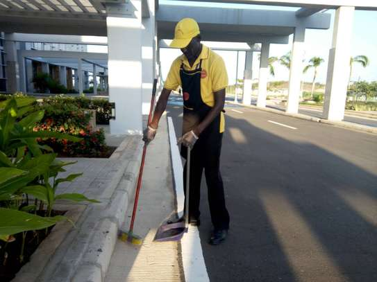 Professional Cleaning Services Nairobi / 24 hour cleaning