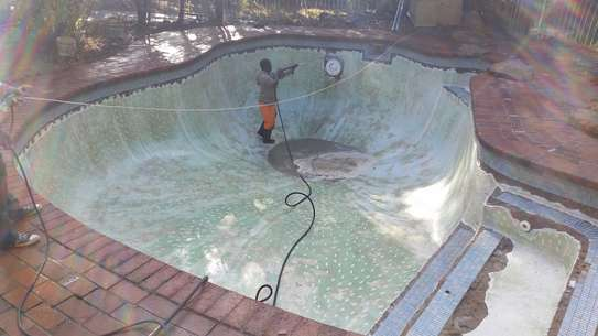 Swimming Pool Cleaning and Maintenance.Professional Swimming Pool Cleaning & Maintenance Services.Get free quote. image 6