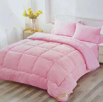 Woollen duvet plain colour with 1bedsheet n 2pillowcases 6 by 6 image 3