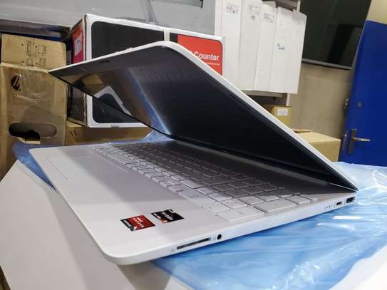 HP 15s NoteBook PC image 2