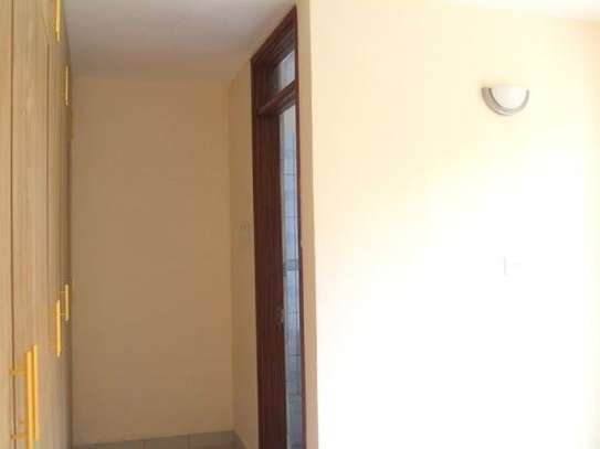 Ruaka - Flat & Apartment image 9