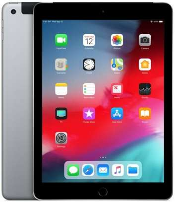 Very clean apple iPad air A1475 (32gb, wifi + cellular - ex-US) at an unbeatable price.  Hurry while stock lasts!