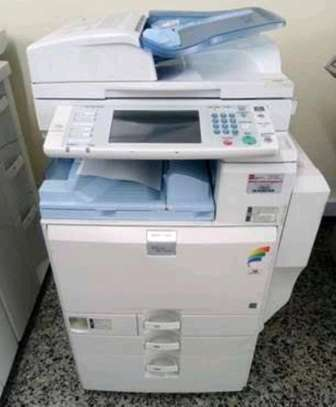 Reliable ricoh aficio mpc2800 colored photocopier