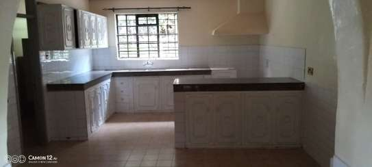 5 bedroom house for rent in Loresho image 15