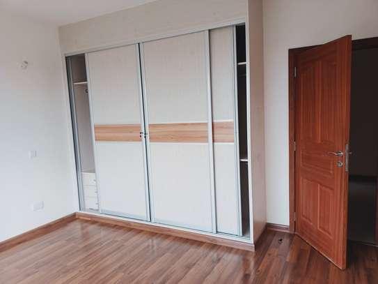 4 bedroom apartment for rent in Parklands image 16