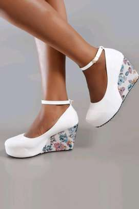 Classic wedge shoes image 2