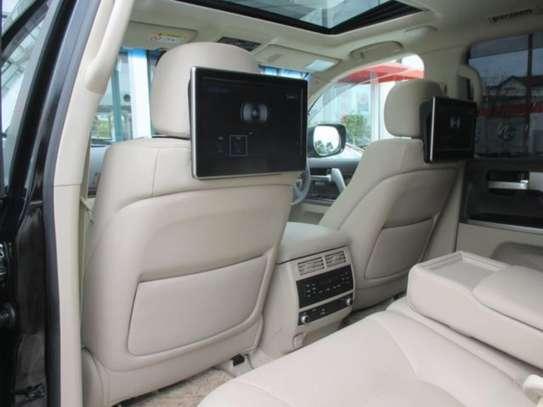 Toyota Land Cruiser ZX V8 2018 18.5M image 8