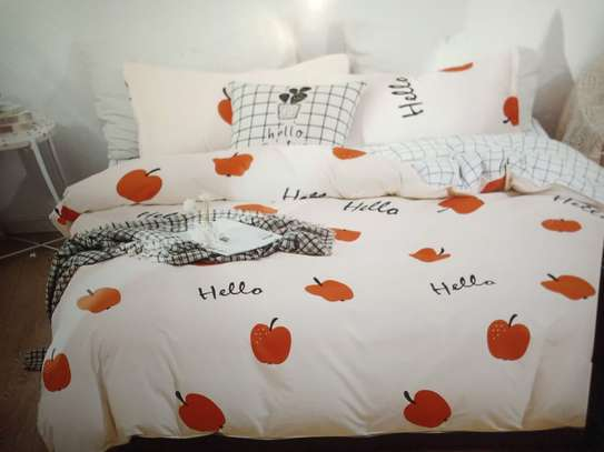 binded duvet with 1bedsheet and 2 pillow cases 6feet by 6 feet image 1
