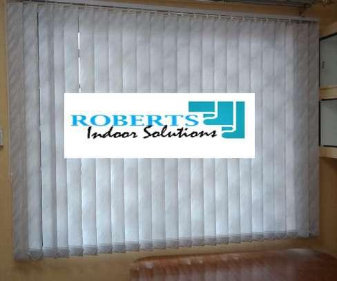 white blinds image 1