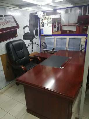 Executive impoted office desk image 7