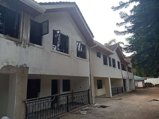 3 bedroom townhouse for rent in Old Muthaiga image 2