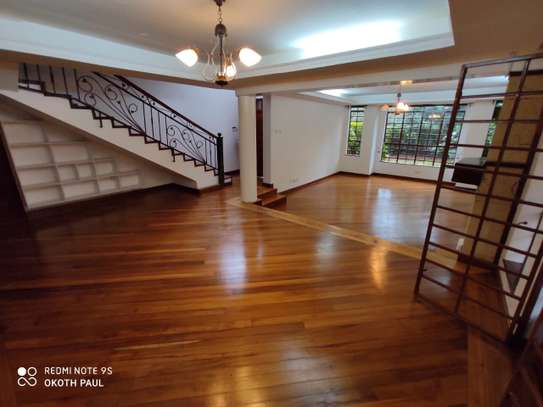 6 bedroom townhouse for rent in Lavington image 12