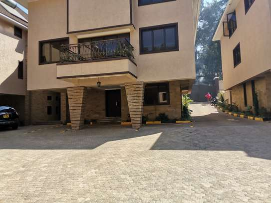 NEWLY BUILT CONTEMPORARY 4 BEDROOM TOWNHOUSE WITH DSQ image 4