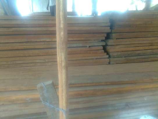 Dry mahogany timber image 2