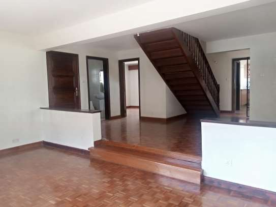 4 bedroom townhouse for rent in Kilimani image 7