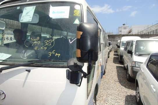 Toyota Coaster image 9