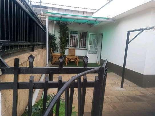 Modern, chic studio to let at kilimani image 10