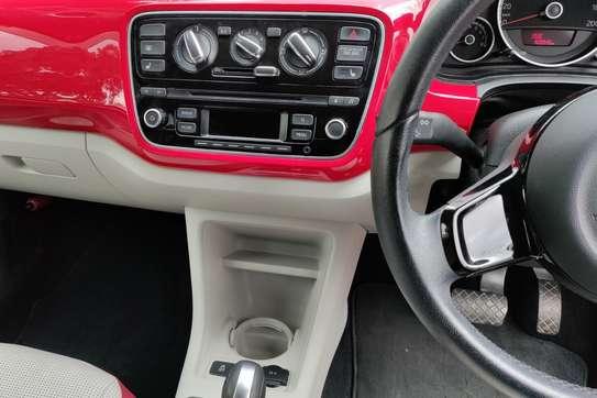 Volkswagen Up image 3