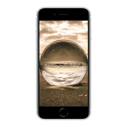 Apple IPhone SE (2020) image 1
