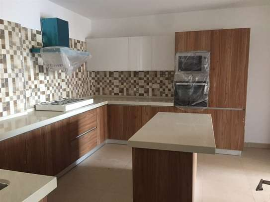 4 bedroom apartment for rent in Kilimani image 14