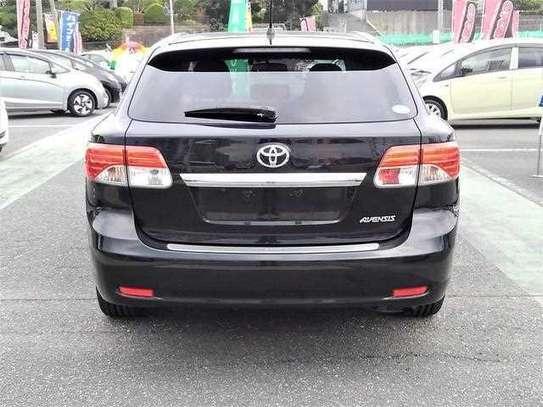 Toyota Avensis image 4