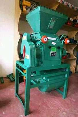 Roller mill  and crusher machine.