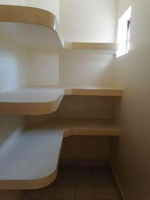 4 bedroom apartment for rent in Rhapta Road image 5