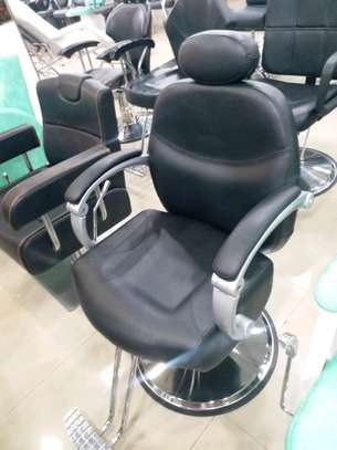 Barber chair image 1